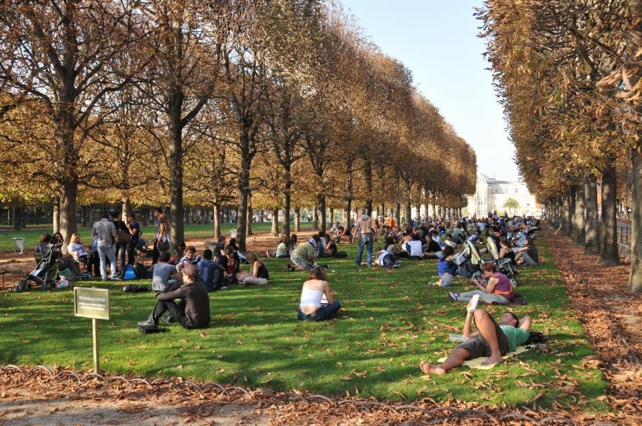 Pelouse interdite - Comment aller au jardin du luxembourg ...